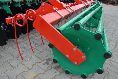 Brona talerzowa hydraulicznie składana o szer. 4m