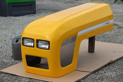 Maska do ciągnika C-360 model 2017 zielona  firmy Naglak