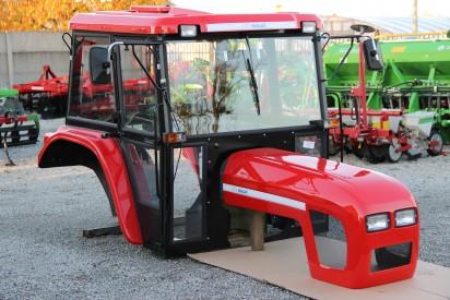 Kabina do ciągnika C-360 z błotnikami i dachem z tworzywa Naglak