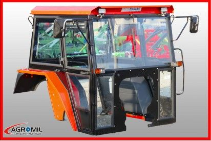 Kabina do ciągnika C-360 z błotnikami metalowymi Naglak