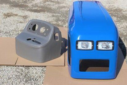 Maska do ciągnika C-360 model 2017 niebieska  firmy Naglak